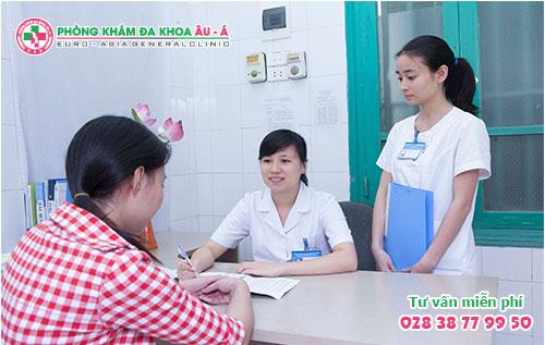 Tiểu Buốt Ra Máu Ở Nữ Giới: Cảnh Báo Bệnh Lý Hết Sức Nguy Hiểm